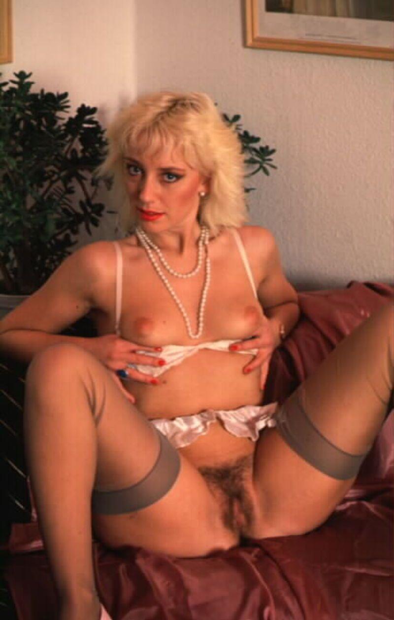 blonde-bas-sexy-02.jpg
